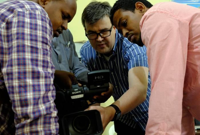 Kuvauksen opetusta Somaliassa