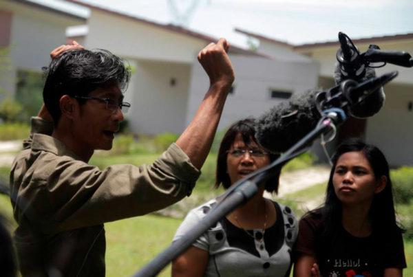 Yangon Film Schoolissa kuvataan dokkaria