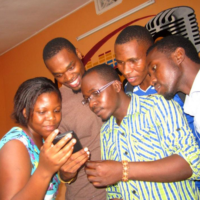 Radiotoimittajia Tansaniassa