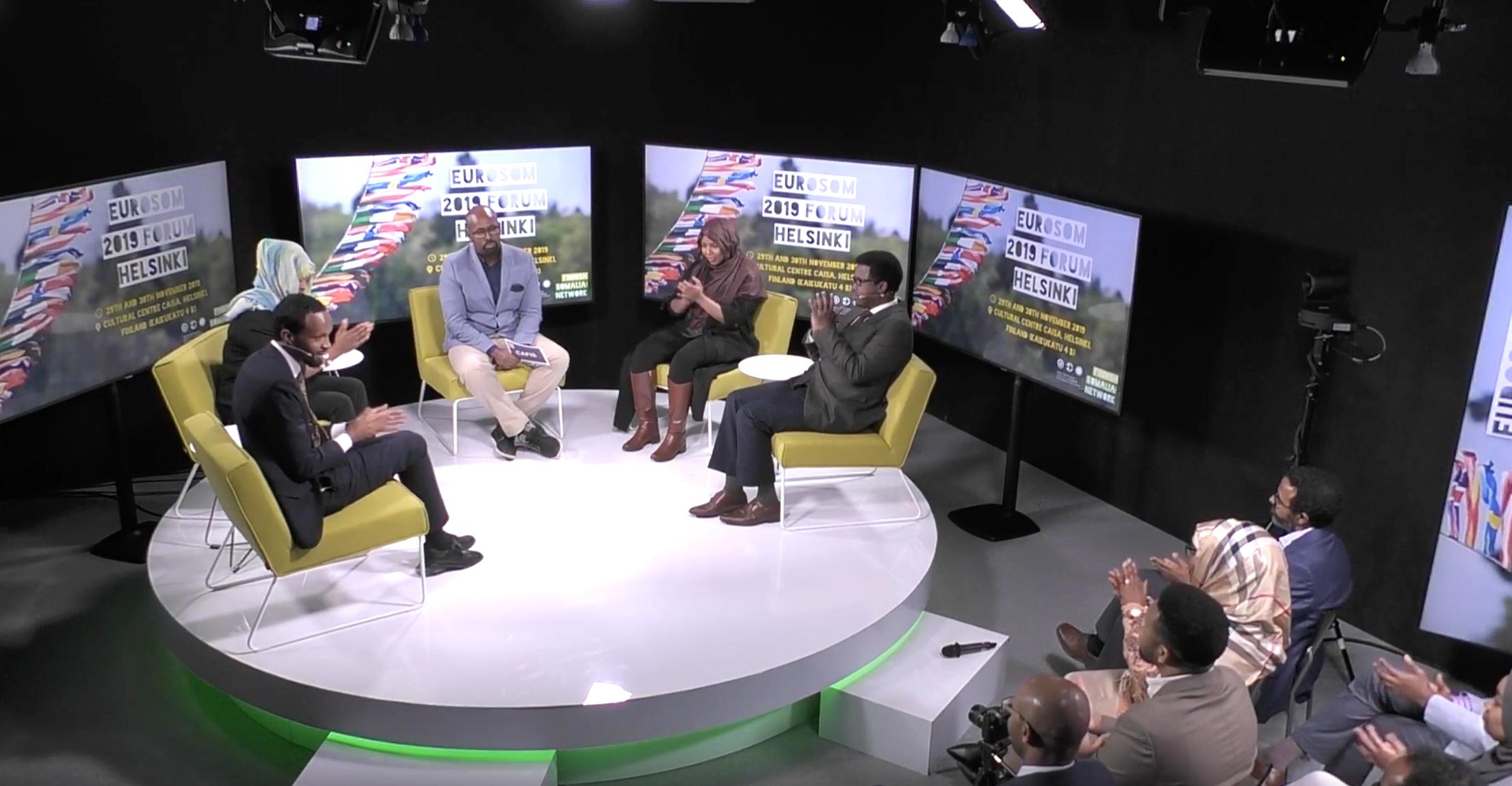 Walin vetämä keskusteluohjelma, tv-studio