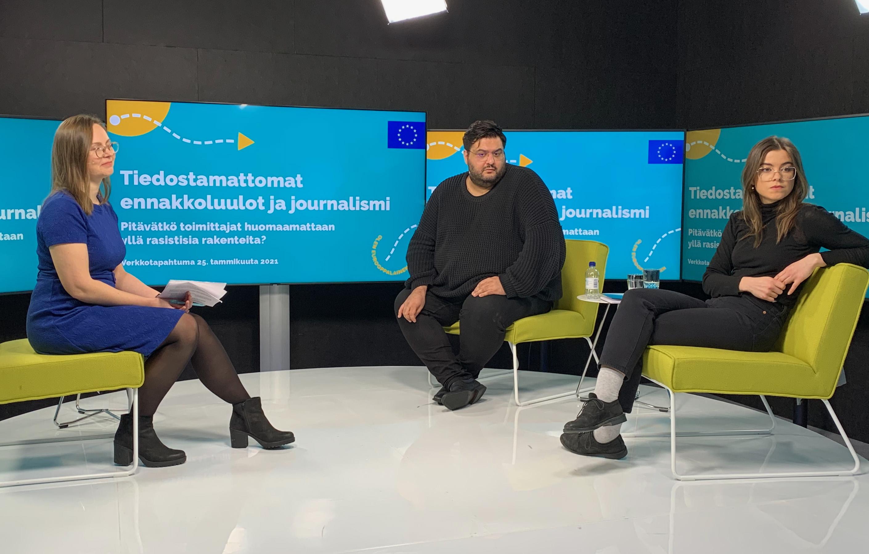 Toimittajat Noora Jokinen, Kyösti Hagert ja Adile Sevimli.